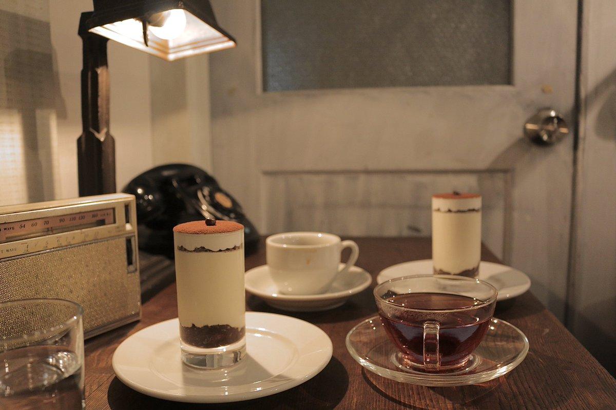 仙台の素敵すぎる純喫茶 星港夜(シンガポール・ナイト) マスターが居る夜限定のティラミス、今まで食べたティラミスの中で1番だった、本当に