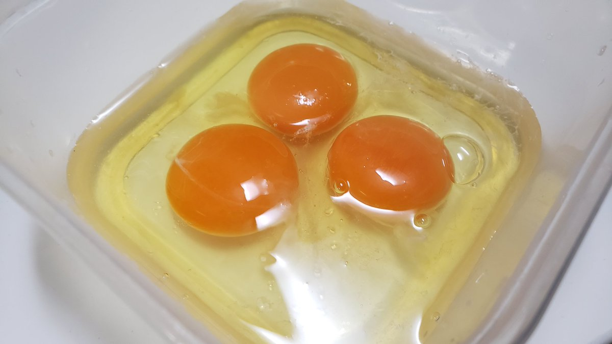 耐熱容器を使って「レンジで出来るシンプルだし卵焼き」作ってみました  これ以上簡単に卵焼きを作る方式を僕しらない…  レシピはこちらー