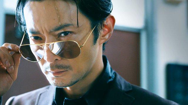 「極主夫道」実写PV公開、津田健次郎主演&監督で坂本真綾が妻の声を担当