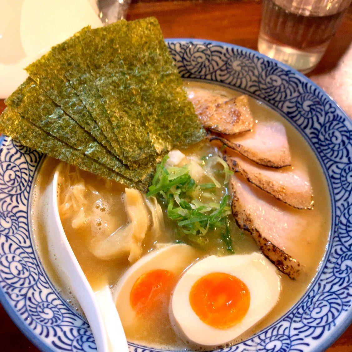 鶏白湯ラーメン食べて来たよ!!!! あっさり塩と特製濃厚しょうゆ!