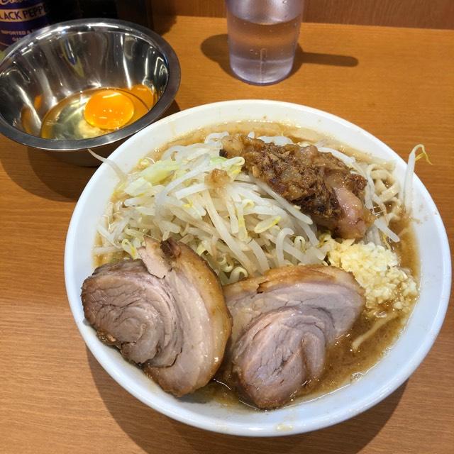 小ラーメン+生玉子 at 麺屋豚道場ぶた壱  今日は醤油がキリリと効いています