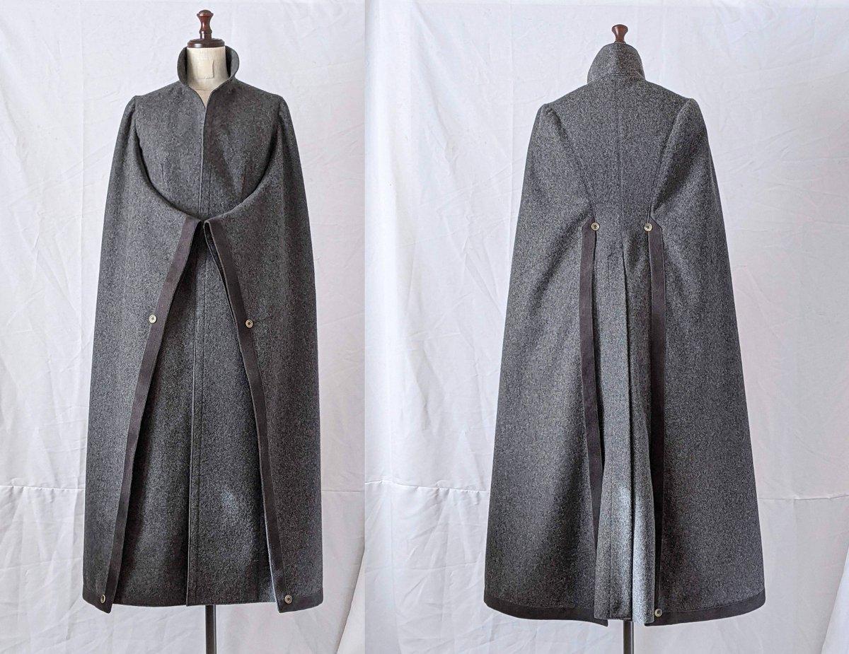 1892年イギリス ヴィクトリア時代の女性が羽織った「ヴィジット」を縫いました  「Japanese Sleeve」とも呼ばれた振袖風のテーラードスリーブが特徴です  袖に覆い隠された身頃はコルセット型につくられ、しっかりとウエストの「くびれ」が造形されています