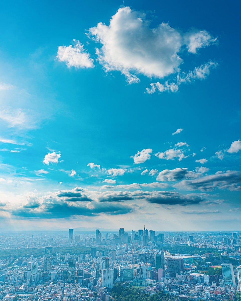 六本木ヒルズから天気の子みたいな写真撮れた!