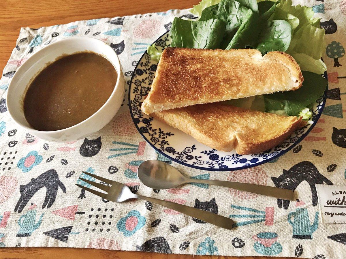 朝食兼昼食とモンブラン
