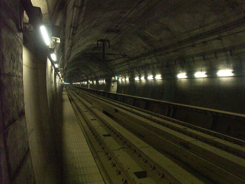 全長53.85kmの青函トンネル内にセフレいっぱい住んでますね…(困惑)