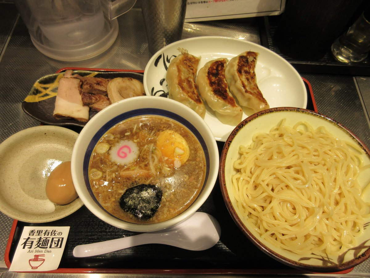 大勝軒的な甘酸っぱいつけ汁がやらかめ中太麺に絡んでとても美味しい