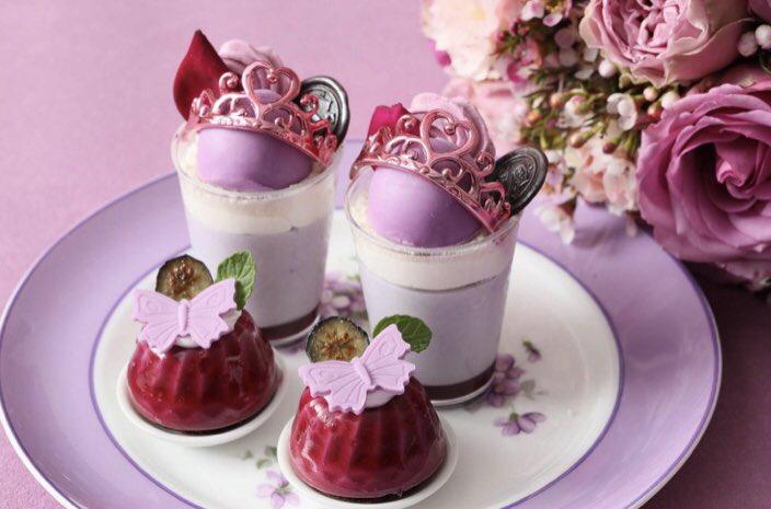 9月24日〜11月8日までの期間限定で名古屋のストリングスホテル 八事 NAGOYAにて、  スミレの花をイメージしたアフタヌーンティー「マリーアントワネットのスミレ スイーツ コレクション」が提供されます✨