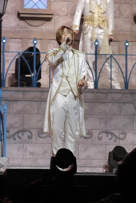 / 特番配信開始まであと④時間!! 王子衣装のライブカットを先行公開!!🎁 \ #増田俊樹 さん ✨ソロ歌唱曲は・・・✨  生まれてはじめて 〔アナと雪の女王〕  ▼ニコ生視聴ページ📺  ボイスキャスト12名が生出演!! 🎤  視聴チケット購入はお早めに🎫    #声の王子様