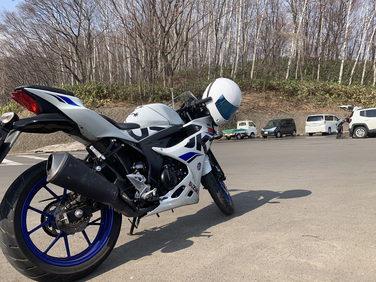 盗難されました 白のgsx-r125  札幌3る 9977