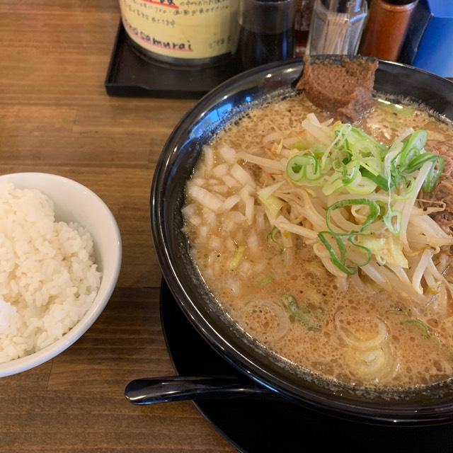 味噌ラーメン at 味噌の侍  濃いめのスープはライスがすすむ!! #毎日がラーメン