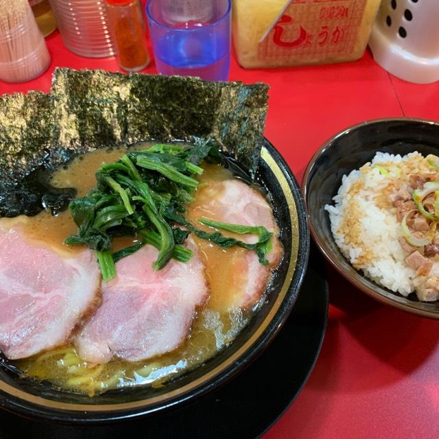 チャーシュー麺 at 家系ラーメン とらきち家  動物系のヘビー級なスープが旨し!! #毎日がラーメン
