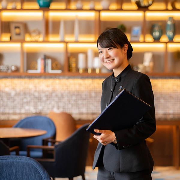 料飲部/ロビーラウンジ「シーウインド」※2018年3月までアルバイト勤務/松土 杏菜