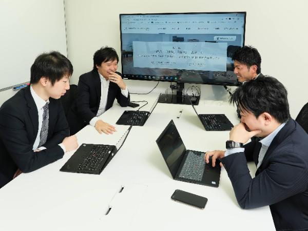 会計ファームと投資銀行のいい部分を融合し、柔軟性のある部隊。
