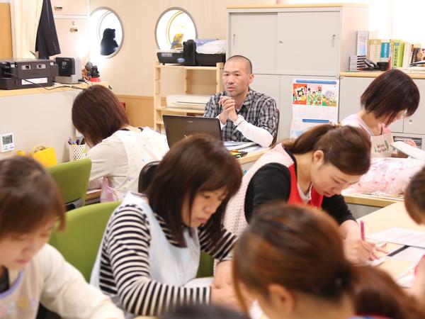 40人を超えるスタッフが、教え合い高め合う環境です。