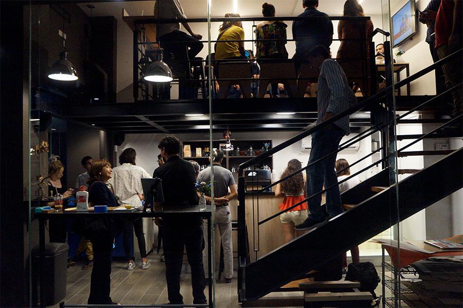 FabCafe Monterrey: café, amigos y fabricación digital.