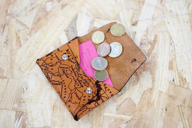 Porte cartes et monnaises en cuir