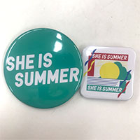 SHE IS SUMMER   SIS 缶バッジセット