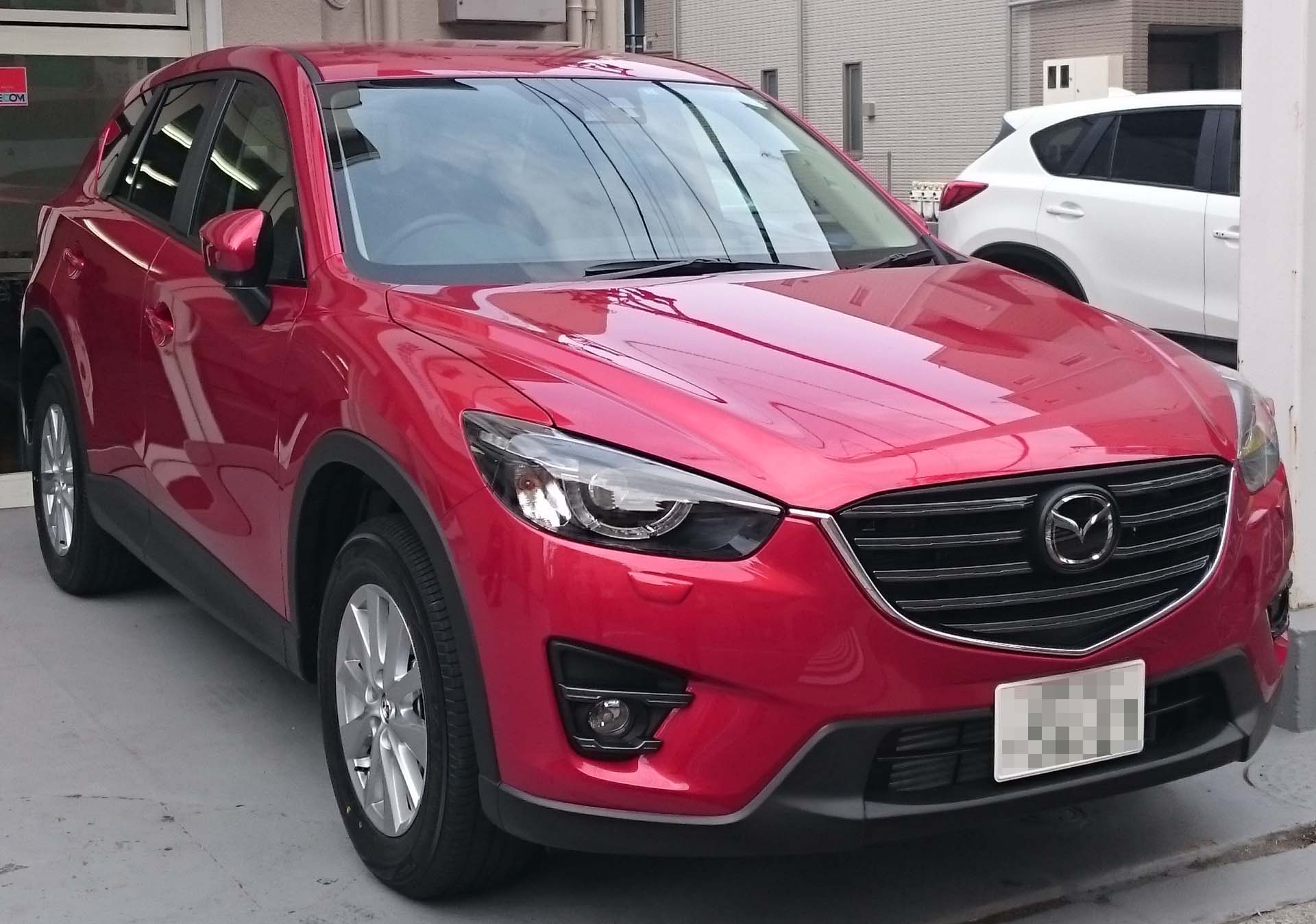 { car.getMaker()|trans }} CX-5