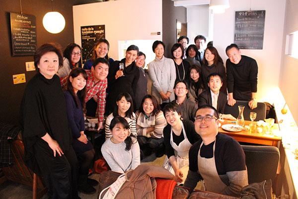 参加者の皆さん フランス惣菜と日本酒