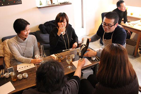 酒をつぐ日本酒コンシェルジュ フランス惣菜と日本酒