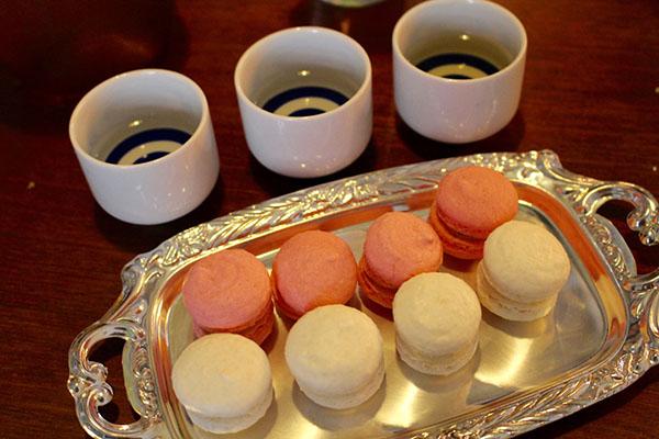 紅白マカロン フランス惣菜と日本酒
