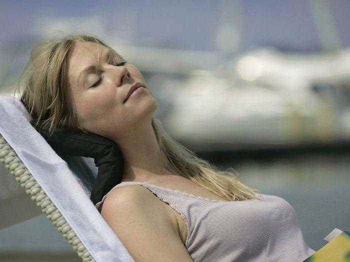 軽量で持ち運びも便利なのでいつでもどこでも休息を取ることが可能です。