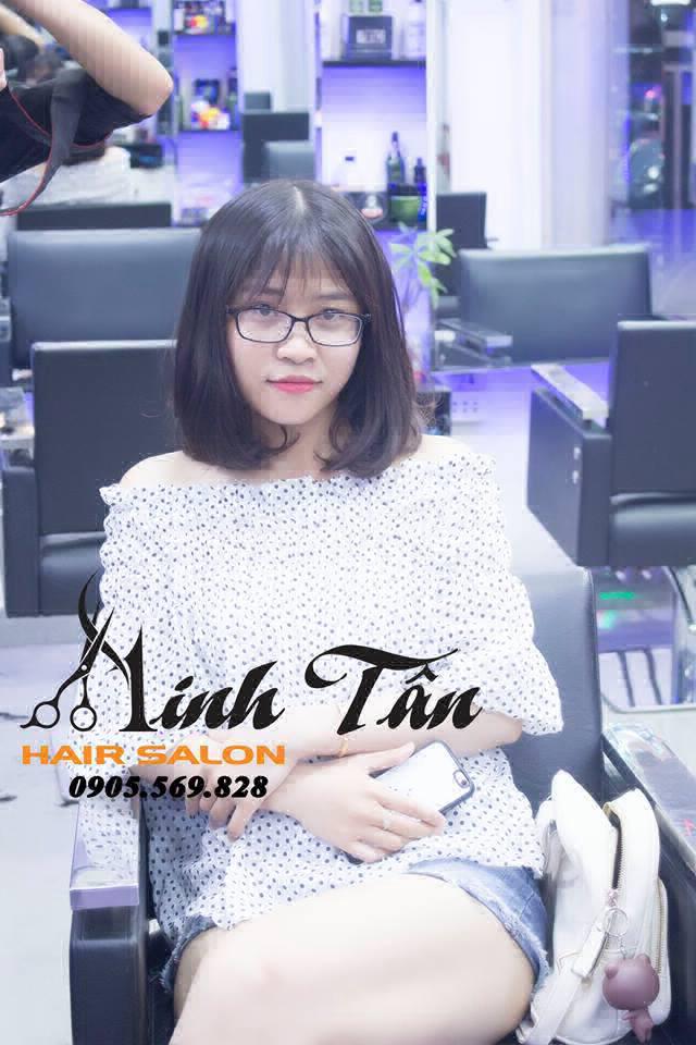 Khách hàng tại Hair Salon Minh Tân