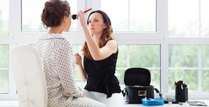 phần mềm quản lý dịch vụ trang điểm makeup