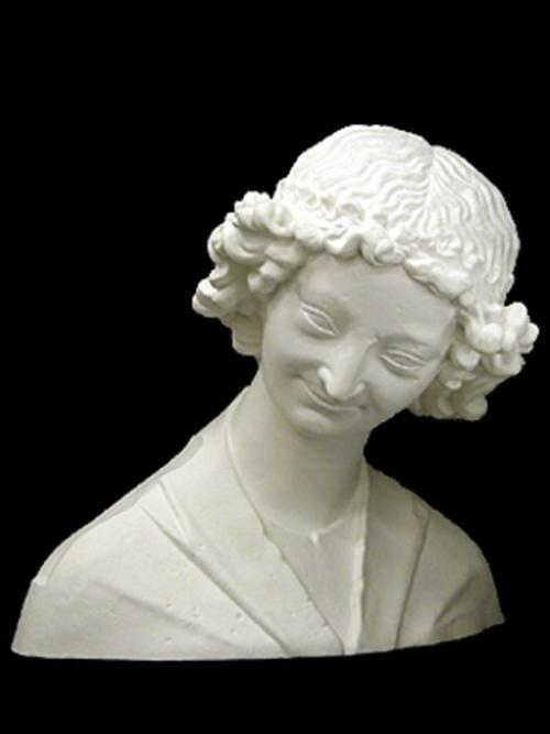 微笑の天使胸像 64cm K-102