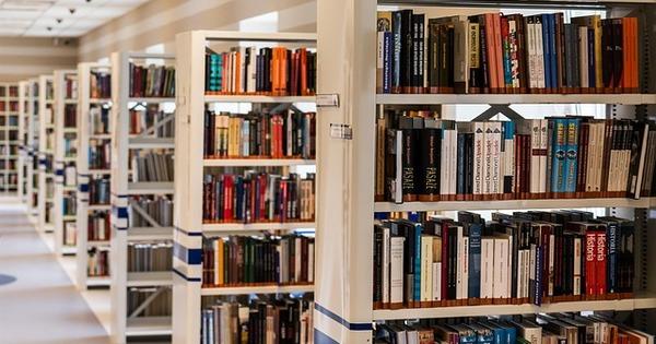 就活の準備、ぜんぶ図書館で 図書館で本ではなく◯◯を借りられるナイスな取り組み
