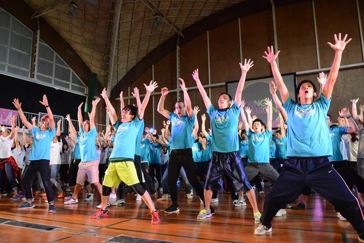海外の若者と東北の教育関係者がつくる、歌とダンスのステージ。 子どもへの表現教育のヒントが詰まった二日間!