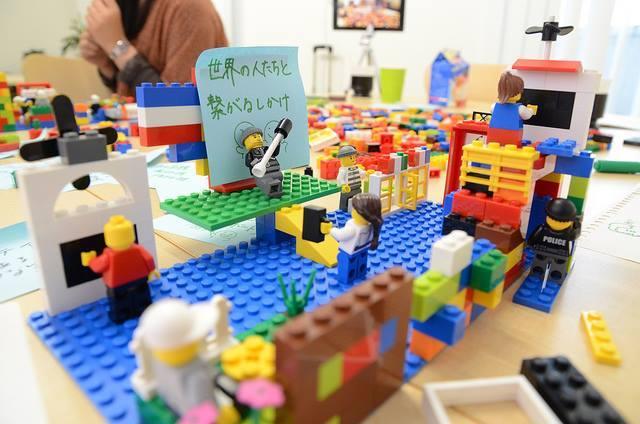 【当日参加申し込みOK!】『ワークショップデザイナーと共にブロックで創る未来の教室』(小学校・中学校・高等学校・学級づくり・学級経営・ワークショップ・アクティブラニング・学び合い・懇親会)