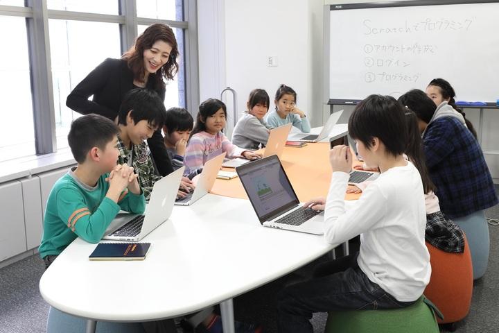 「小学校におけるICT教育の現状と次期学習指導要領に向けた取り組み」 講演会のご案内