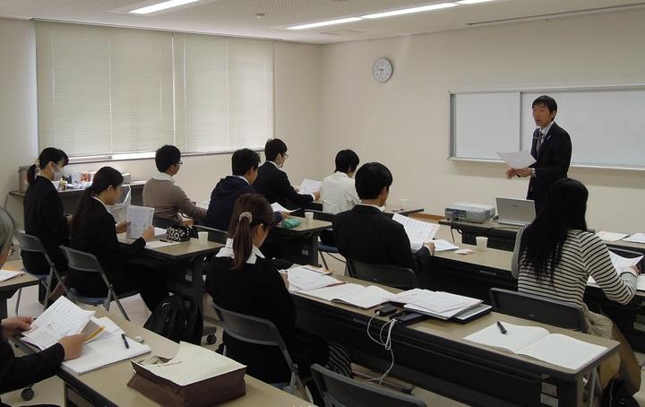 20代教師必修 子どもとの関係作りの中心は授業にあり あなたの授業の腕を確実に上げる模擬授業演習