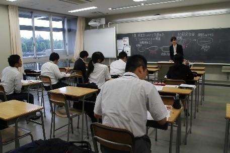 [トップネット私学教員養成所]4月から即戦力として働ける教員を養成