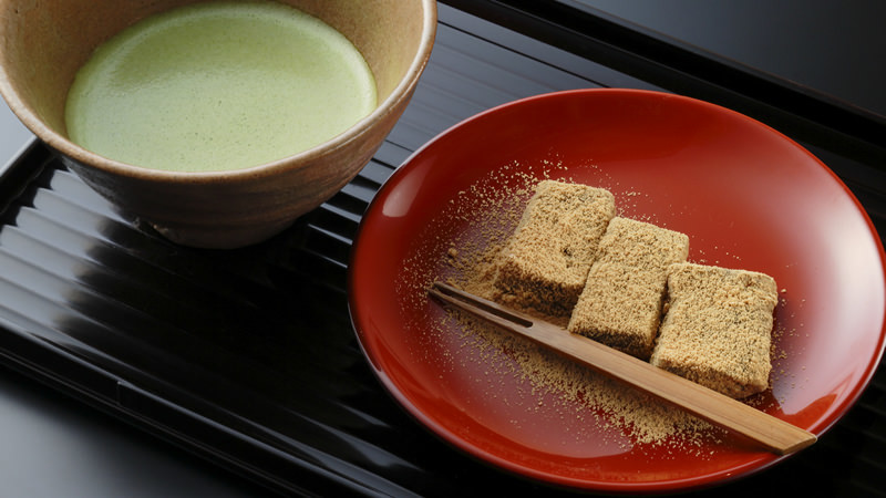 Set of lotus rice cake and Matcha, the ceremonial tea