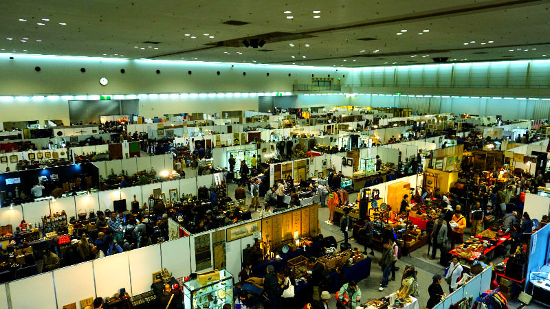 One of the biggest antique fairs in western Japan
