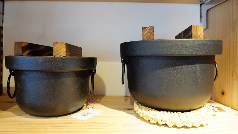 These Cast Iron Pots Are Perfect For Cooking Rice! The Thick Walls Of These  Pots Make Sure That The Rice Is Cooked Evenly, And As You Know, The  Japanese ...