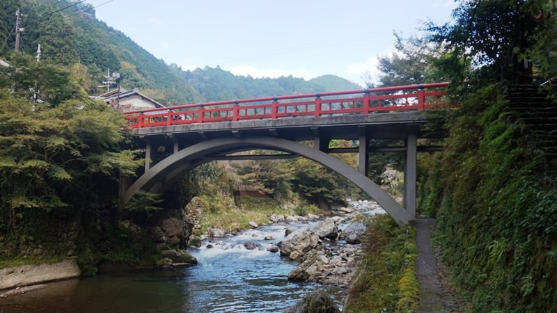 See the fireflies under the Toen-kyo Bridge
