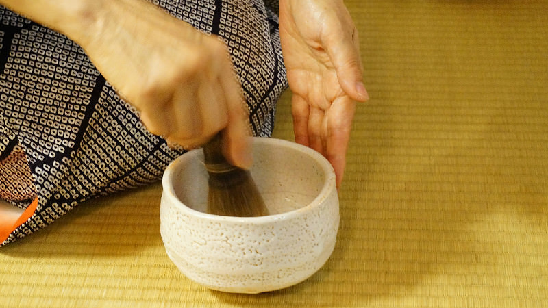 Enjoy The Tea Ceremony By The Tea Host