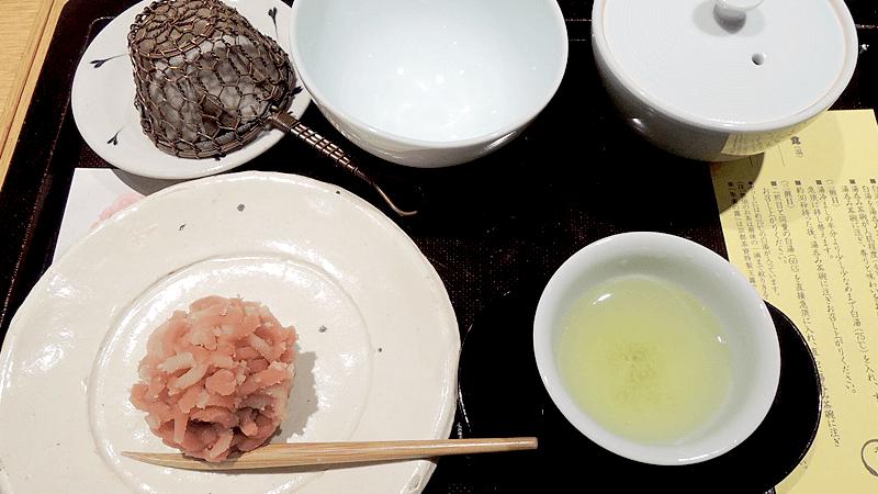特級綠茶玉露茶「朱雀の露」,搭配自選和菓子