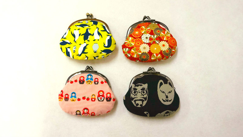 Round coin purse (around 10 cm)