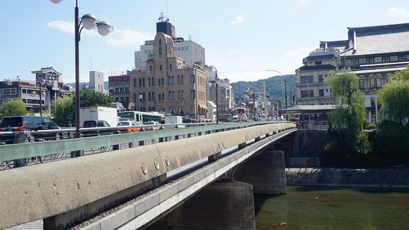 Shijo bridge