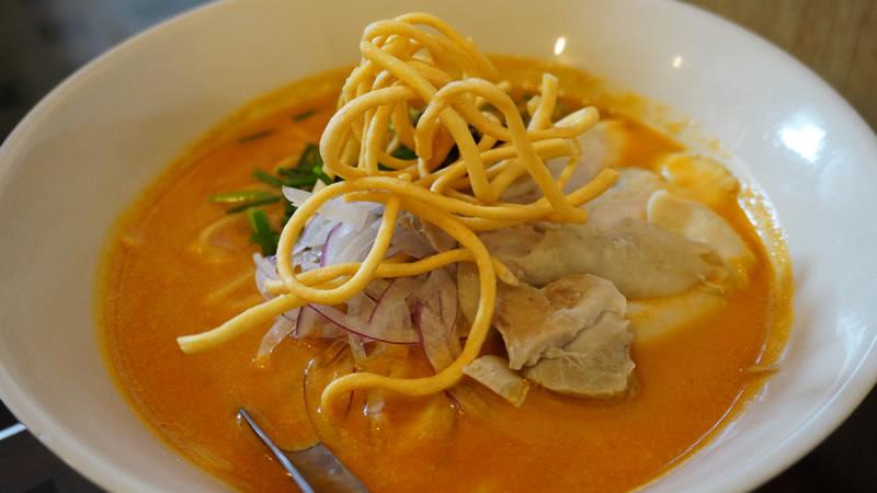 雞肉泰式咖哩拉麵