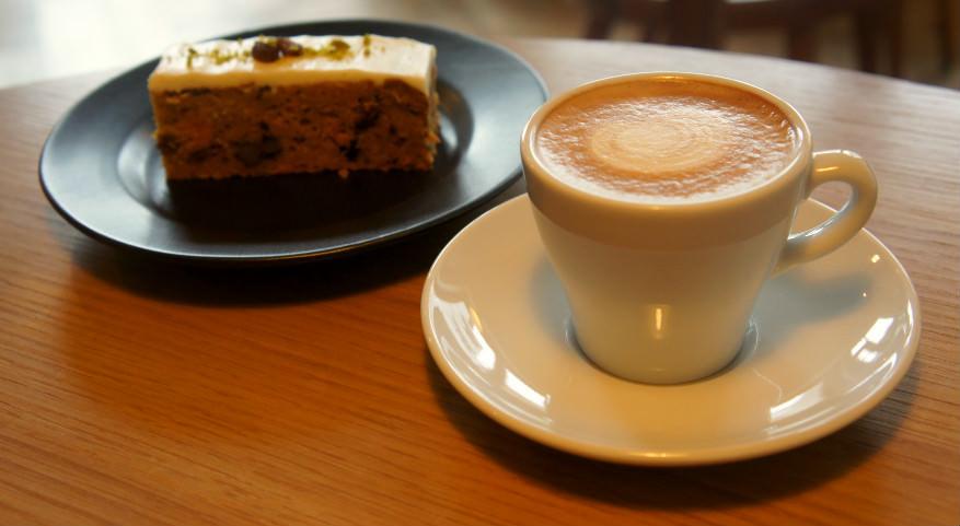 蛋糕和咖啡