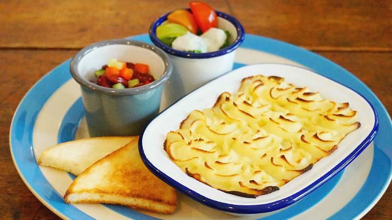 Cottage Pie (lunch set with tea or coffee)