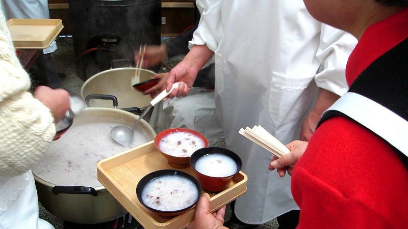 Red porridge at Simogamo shrine