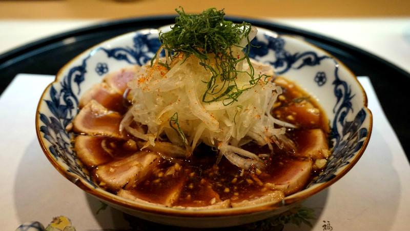 鰹のタタキ(炙烤鰹魚)