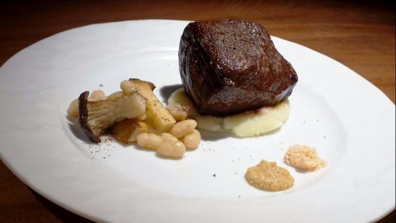 Premium aged steak (around 200g)