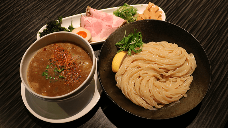 Pork bones reckoning noodles (Special)